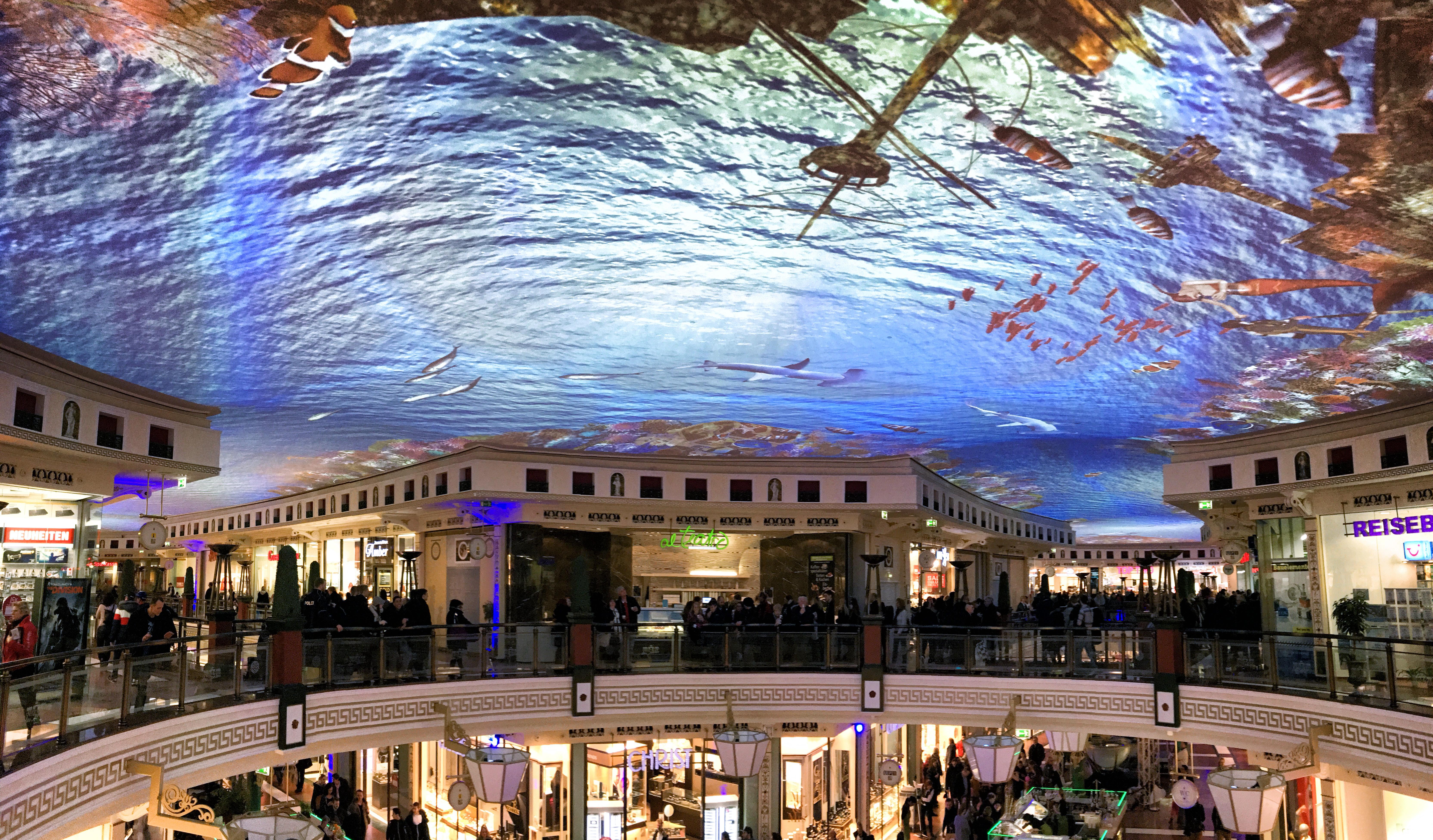 """einkaufscenter """"das schloss"""" unterwasserwelt  werft6"""